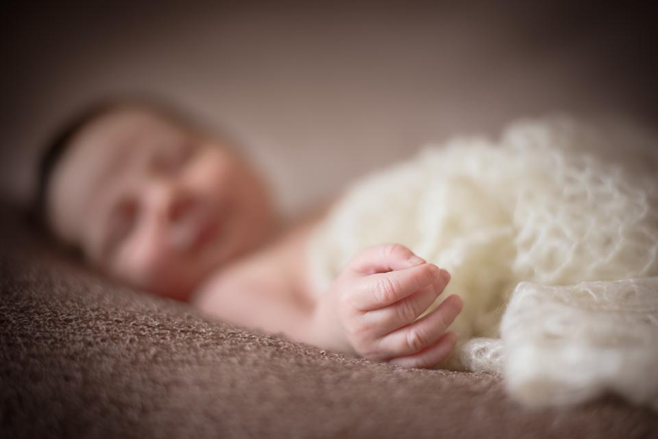 Baby Newborn Babys Eltern Neugeborene Neugeborenes Foto Fotografie Fotografin Fotografie Shooting Karlsruhe Ettlingen Bruchsal Bretten Rastatt Pforzheim 13