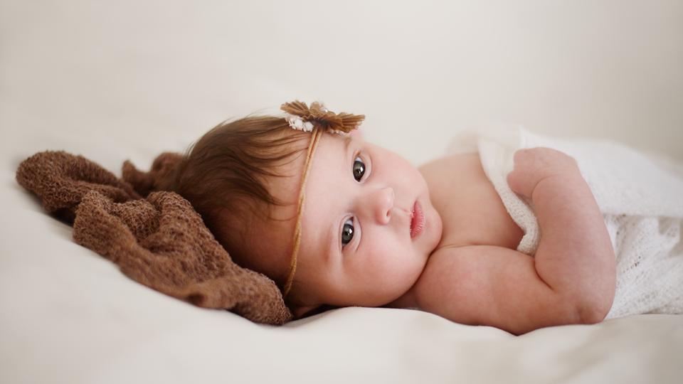 Baby Newborn Babys Eltern Neugeborene Neugeborenes Foto Fotografie Fotografin Fotografie Shooting Karlsruhe Ettlingen Bruchsal Bretten Rastatt Pforzheim